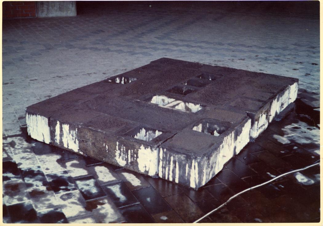 Noriyuki Haraguchi - Untitled - 1970, dalla mostra Asiana, palazzo Vendramin Calergi, Venezia 1995. Foto di E. Cattaneo.